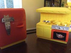 Remco Hi Heidi Kitchen Stove and Refrigerator.
