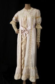 Silk and lace peignoir, c.1910, from the Vintage Textile archives.