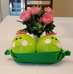 Two Peas in a Pod Shower Centerpiece