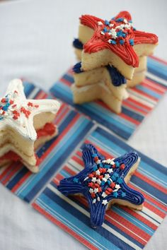 Individual 4th of July Star Cakes