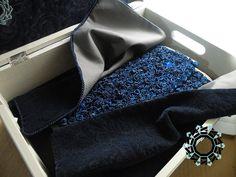 """""""Blue rose"""" evening bag / Wieczorowa torebka """"Granatowe róże"""" by Tender December, Alina Tyro-Niezgoda. More / Więcej: http://tenderdecember.eu/blue-rose-granatowa-roza/ To buy/Aby kupić: http://tenderdecember.eu/shop/produkt/blue-rose-granatowa-roza/"""