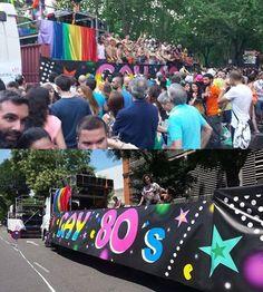 Artecomp productora un año mas de la macrolona para decorar una carroza en EL DIA DEL ORGULLO GAY.
