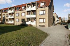Helmer Søgårds Alle 14, st. tv., 2770 Kastrup - Lys høj stuelejlighed med altan og nye vinduer #kastrup #ejerlejlighed #boligsalg #selvsalg