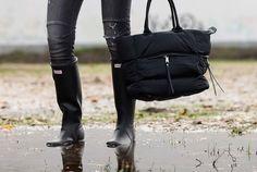 Hunter boots and The Amity Company bag. Botas Hunter con bolso The Amity Company