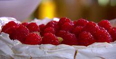 Gregg Wallace raspberry pavlova on Best Bake Ever