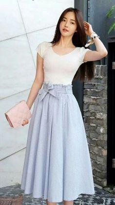 52 Midi Skirts Trending Now - Summer Fashion New Trends Modest Outfits, Modest Fashion, Hijab Fashion, Korean Fashion, Dress Outfits, Fashion Dresses, Cute Outfits, Circle Skirt Outfits, Fashion Shoes