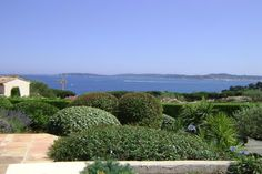 This is a fantastic view! - http://www.aiximmo.ch/property/this-is-a-fantastic-view-2/- Panoramic views over Saint-Tropez and the open sea for thisbeautiful villa located in a private domain.The flat garden is enclosed, planted with mediterranean trees and has a surface of 1275 m², with a beautiful 10m x 5m pool with electric cover.The villa of about 220m ², has an entrance with