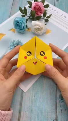 Diy Discover DIY Origami Paper Art Step By Step Videos Origami Paper Art Instruções Origami Origami Videos Cool Paper Crafts Paper Flowers Craft Creative Arts And Crafts Newspaper Crafts Bird Crafts Cute Crafts Diy Crafts Hacks, Diy Crafts For Gifts, Diy Arts And Crafts, Creative Crafts, Summer Crafts, Creative Ideas, Diy Ideas, Craft Ideas, Instruções Origami