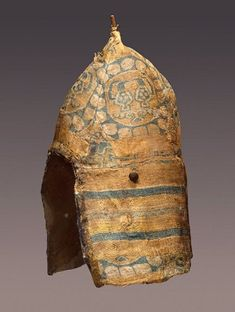 Male Headdress Designed like a Helmet and Covered with Sogdian Silk. Early medieval culture of the Adygo-Alanian tribes. Medieval Clothing, Historical Clothing, Ancient Armor, Early Middle Ages, Middle East, Hermitage Museum, Textiles, Silk Road, European History