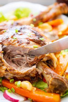 Pulpă de miel marinată în kefir cu usturoi Romanian Food, Cheesesteak, Lamb, Food And Drink, Cooking, Ethnic Recipes, Honey, Kitchen, Baby Lamb