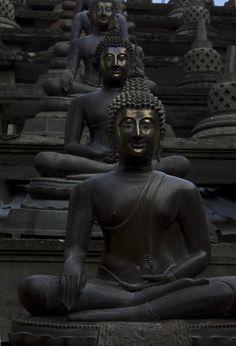 Spread of Buddhism - Buddha statue Buddha Zen, Buddha Buddhism, Black Buddha, Buddha Temple, Tibetan Buddhism, Buddhist Art, Statues, Tachisme, Zen Meditation
