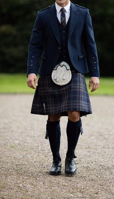 Our Arran Mist tartan is also exclusive to MacGregor and Macduff. We recommend pairing the kilt with its Arran Navy counterpart jacket and waistcoat, made of a soft blue tweed wool. Kilt Wedding, Tweed Wedding Suits, Tartan Wedding, Tweed Suits, Irish Wedding, Grooms In Kilts, Men In Kilts, Groom Kilts, Kilt Men