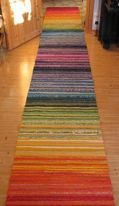 Home Depot Carpet Runners Vinyl Key: 9920083048 Weaving Projects, Weaving Art, Loom Weaving, Hand Weaving, Beige Carpet, Diy Carpet, Rugs On Carpet, Carpet Ideas, Recycled Rugs