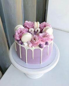 Cupcake Birthday Cake, Beautiful Birthday Cakes, Birthday Cakes For Women, Birthday Cake Decorating, Cupcake Cakes, Card Birthday, Birthday Greetings, Birthday Ideas, Happy Birthday