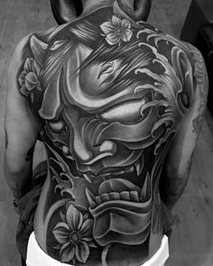 Tattoo Sleeve Designs Art Tatoo New Ideas Hannya Maske Tattoo, Backpiece Tattoo, Hanya Tattoo, Tattoo Henna, Feather Tattoos, Oni Mask Tattoo, Back Piece Tattoo Men, Back Tattoos For Guys, Full Back Tattoos
