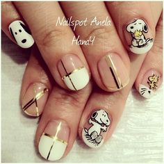 snoopy nails