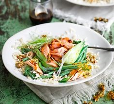 Low FODMAP and Gluten Free Recipe - Steamed salmon & veg rice bowl Bbc Good Food Recipes, Side Recipes, Healthy Recipes, Savoury Recipes, Healthy Meals, Salmon And Rice, Salmon Dishes, Fodmap Recipes, Vegan