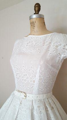 Annata 1950 occhiello bianco vestito abito di ThriftyVintageKitten