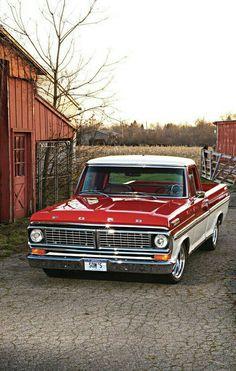 Nice looking Ford Pickup