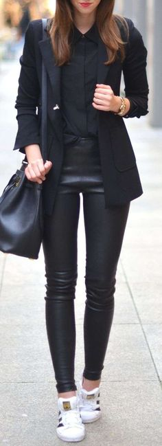 44 Chic All Black Outfit # Outfit # leggins – Beste Outfit-Ideen Sneaker Outfits Women, Sneakers Fashion Outfits, Fashion Shoes, White Sneakers Outfit, All Black Outfit, Black Outfits, Dress Black, Black Sneakers, Black Pants