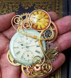 {STEAMPUNK JEWELRY Designs By Friston.} for some reason this steam punk stuff reminds me of Tim Burton's Alice in wonderland and I really love it. Steampunk Accessoires, Mode Steampunk, Style Steampunk, Steampunk Cosplay, Steampunk Design, Victorian Steampunk, Steampunk Fashion, Steampunk Clock, Steampunk Rings