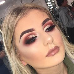 Love the champagne pink makeup! Perfect for people with brown and/or blue eyes! Sexy Makeup, Kiss Makeup, Prom Makeup, Gorgeous Makeup, Love Makeup, Bridal Makeup, Wedding Makeup, Beauty Makeup, Hair Makeup