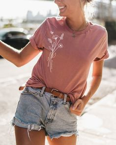 Cultivate Kindness - Tee - Kindness is the universal language. Cultivate it through your words and actions, then watch the wor - Braut Make-up, Lookbook, Mode Outfits, Spring Summer Fashion, Dress To Impress, Urban Outfitters, My Style, Womens Fashion, 90s Fashion