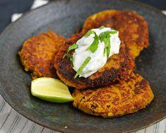 Falafel, Tzatziki, Tandoori Chicken, Salmon Burgers, Baked Potato, Baking, Breakfast, Ethnic Recipes, Chickpeas