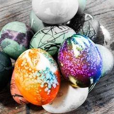 How-to: Tie-Dyed Easter Eggs