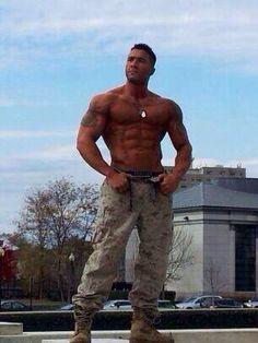 Männer in uniform kennenlernen