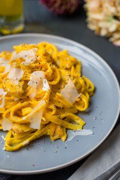 Romige pompoentagliatelle # pompoen # pasta Lekker met gebakken champignons