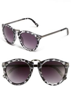 Some fabulous #black and #white #sunglasses from Quay Retro at Nordstrom!