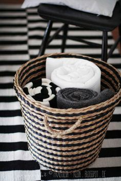 black and white cushions basket Towel Display, Winter Blankets, Textiles, Scandinavian Interior Design, White Cottage, Black And White Design, White Houses, Home And Living, Living Room