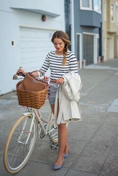 This outfit is so Emma Watson and I LOVE it! Great way to wear shorts that aren't just denim.