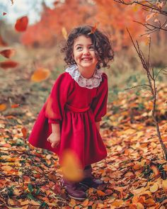 44 ideas baby cute girl wallpaper for 2019 Cute Little Baby Girl, Cute Girls, Sweet Girls, Cute Baby Girl Wallpaper, Cute Babies Photography, Cute Baby Girl Pictures, Lion Pictures, Baby Images, Expecting Baby