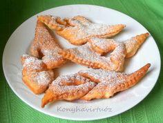 Konyhavirtuóz: Extra puha csörögefánk Hungarian Desserts, Onion Rings, French Toast, Food And Drink, Yummy Food, Sweets, Cookies, Breakfast, Cake