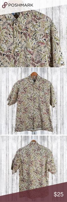 """Half Moon Bay Short Sleeve Button Up Sz L Brand: Half Moon Bay Style:  Short sleeve button up  Material:  Cotton  Care: Machine Wash   This classic button down shirt is in excellent condition!   Shoulder to shoulder:  20""""  Chest:  24""""  Sleeve:  10""""  Hem:  23 1/2"""" Length:  31 1/2""""   I am adding new items for sale daily, so be sure to check out my other listings! Half Moon Bay Shirts Casual Button Down Shirts"""