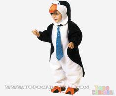 Disfruta de tu peque  con nuestro disfraz de #pingüino  para  bebes. Es ideal para carnaval, halloween o fiestas de disfraces. #carnaval #bebes Disponible en www.todocarnaval.com