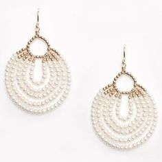 Aretes colgantes Perlas mini Bead Jewellery, Wire Jewelry, Jewelry Crafts, Jewelery, Jewelry Findings, Jewelry Ideas, Jewelry Bracelets, Beaded Earrings Patterns, Seed Bead Earrings