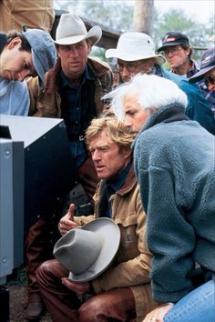 The horse whisperer Robert Redford Movies, Paul Newman Robert Redford, The Horse Whisperer, Kristin Scott, Melanie Griffith, Star Wars, Film Director, Classic Movies, Film Posters