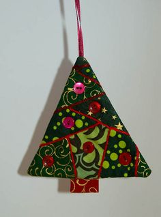 Patchwork Christmas Tree by gonetoearth, via Flickr