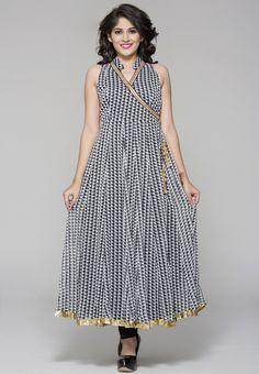 India's best women apparels site Itibeyou Provide Designer Tunic Top and Leggings Pakistani Dresses, Indian Dresses, Salwar Pattern, Tunic Designs, Indian Attire, Indian Fashion, Women's Fashion, Long Tops, Dress Patterns