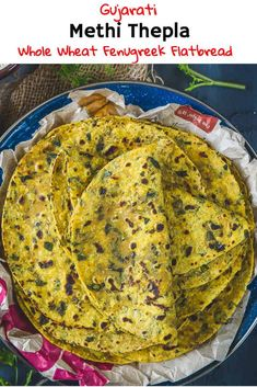 Methi Thepla is a very popular Gujarati dish made with whole wheat flour, chickpea flour, spices and fresh fenugreek leaves. Here is a simple recipe to make soft Methi Thepla at home. Gujarati Recipes, Indian Food Recipes, Asian Recipes, Ethnic Recipes, Indian Appetizers, Chickpea Recipes, India Food, Recipe Steps, Indian Dishes