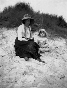 Vanessa Bell on the beach at Studland with Julian Bell c 1910, London, Tate Britain