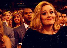 mariavedia:      Hello, el vídeo del tan esperado nuevo single de Adele, ha establecido un nuevo récord en VEVO. ¡La cifra es de vértigo! Acumuló 27,7 millones de reproducciones en sus primeras 24 hor