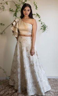New – WaliaJones Indian Fashion Dresses, Indian Designer Outfits, Indian Outfits, Designer Dresses, Fashion Outfits, Indian Wedding Gowns, Lehnga Dress, Fancy Blouse Designs, Lehenga Designs