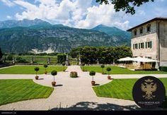 """#Villa Bortolazzi.  """"L'eleganza non è farsi notare, ma farsi ricordare"""" Giorgio Armani Giorgio Armani, Golf Courses, Villa, Mansions, House Styles, Home, Manor Houses, Villas, Ad Home"""