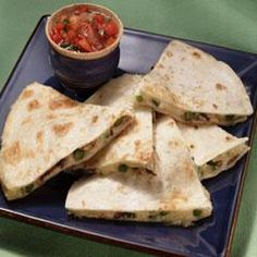 Mushroom & Jack Cheese Quesadillas Recipe Appetizers, Lunch with vegetable… Best Appetizers, Appetizer Recipes, Dinner Recipes, Jack Daniels Bbq Sauce, Cheese Quesadilla Recipe, Spinach Pie, How To Cook Mushrooms, Quick Snacks, Stuffed Jalapeno Peppers