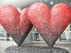 Jim Dine's sculpture Twin 6' Hearts outside of Musee des Beaux-Arts de Montreal February 2010.