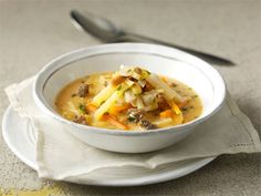 Seljanka on kuuluisa venäläinen keitto, joka valmistetaan yleensä kalasta, lihasta tai sienistä ja maustetaan tomaatilla.